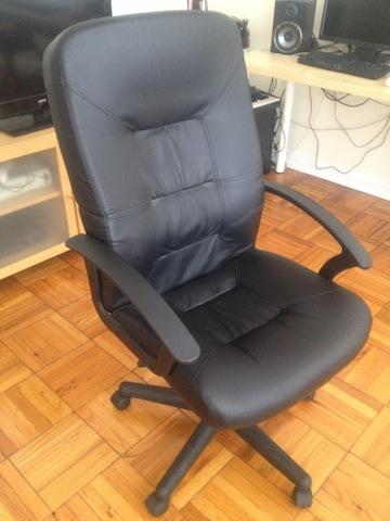 의자 2개[개당 $40]