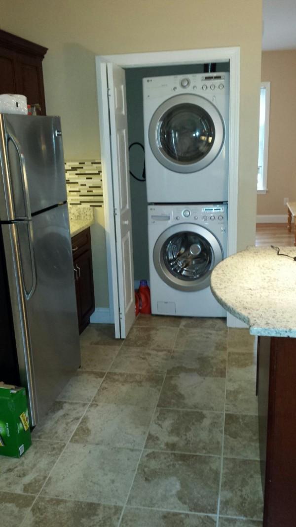 집안에 배치되어 있는최신 Laundry
