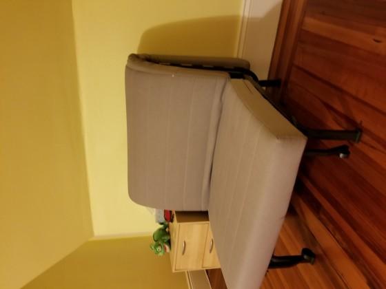 소파(펼치면 싱글 침대) $30