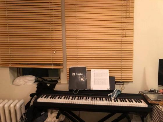 원하시는분은 피아노도 있습니다